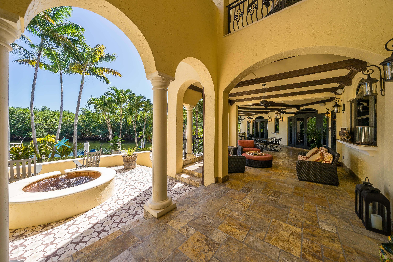 35_gallardo_MiamiRealEstatePhotographers.com